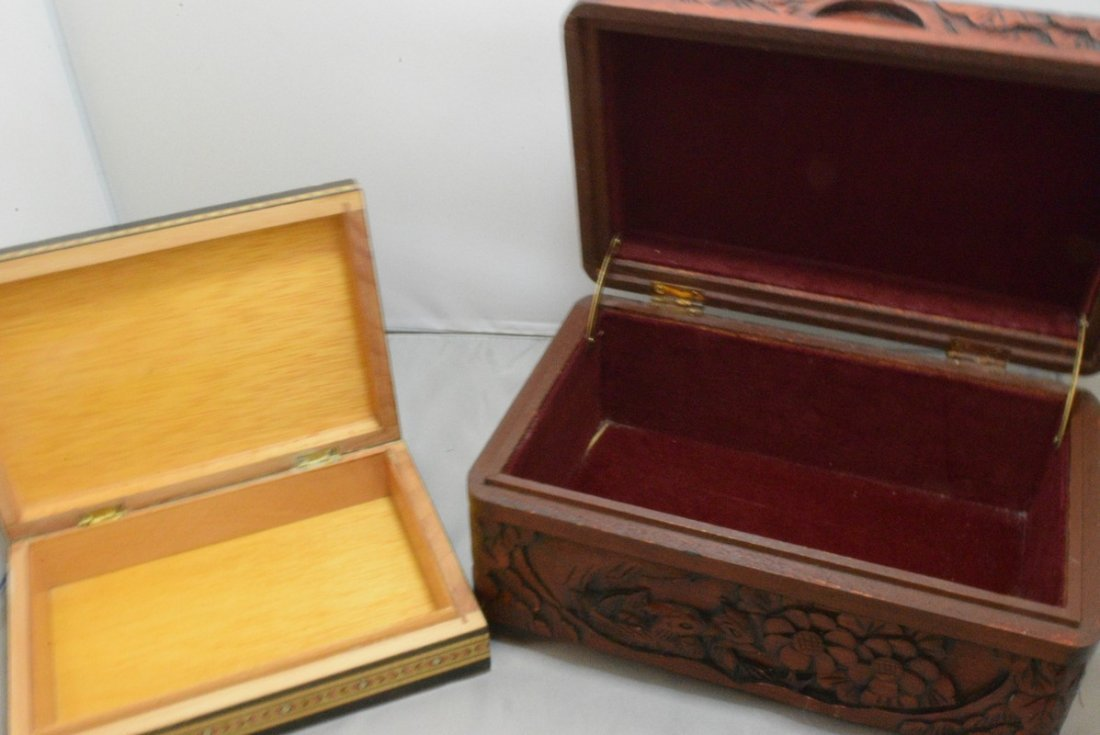 BEAUTIFUL HAND CARVED HINGED BOX AND A INLAID DESI - 4