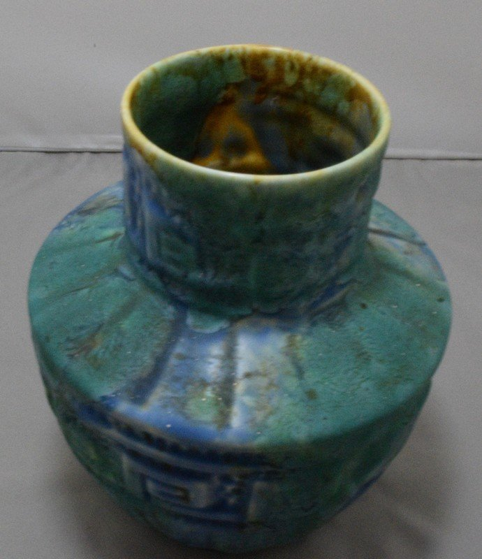6.5 GREEN POTTERY VASE - MARKED CROWN DUCAL - 4