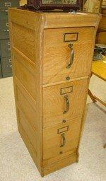 VINTAGE OAK 3 DRAWER FILING CABINET