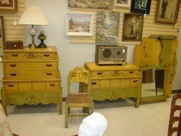 TOLL PAINTED 5 PIECE ANTIQUE BEDROOM SET