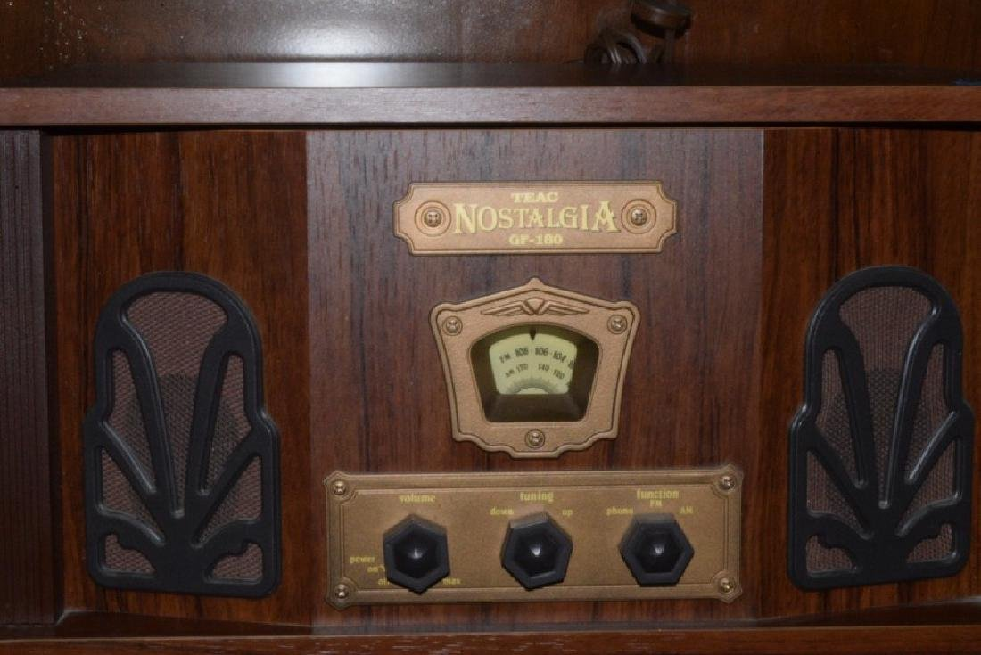 TAC NOSTALGIA RADIO RECORD PLAYER - 3
