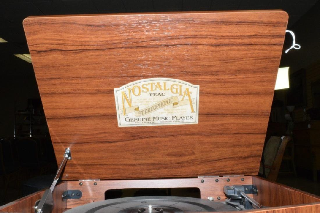 TAC NOSTALGIA RADIO RECORD PLAYER - 5