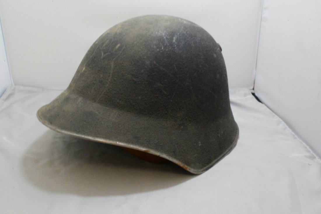 VINTAGE SWISS ARMY MILITARY HELMET WITH LINER - WW