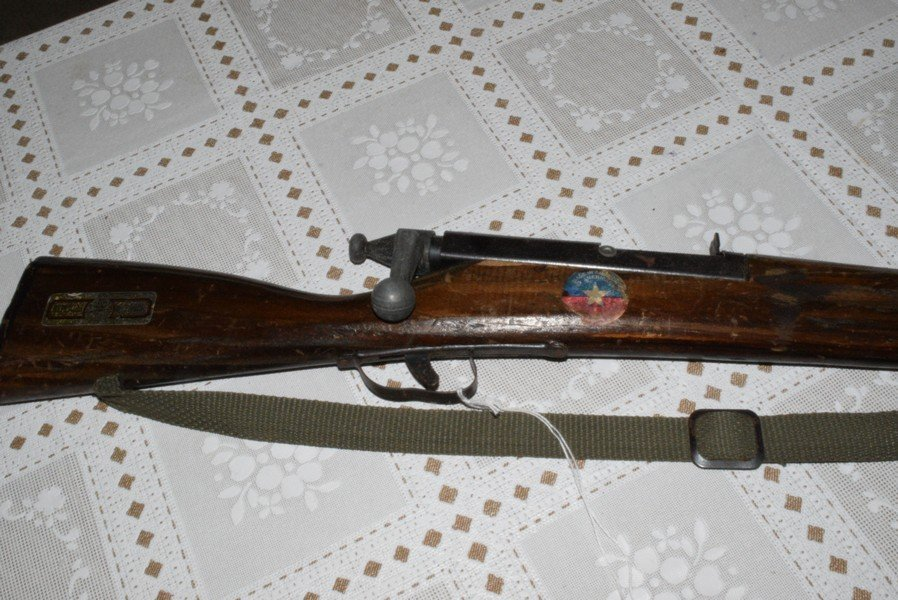VINTAGE TOY TRAINER RIFLE BY PARRIS REPLICAS - 2