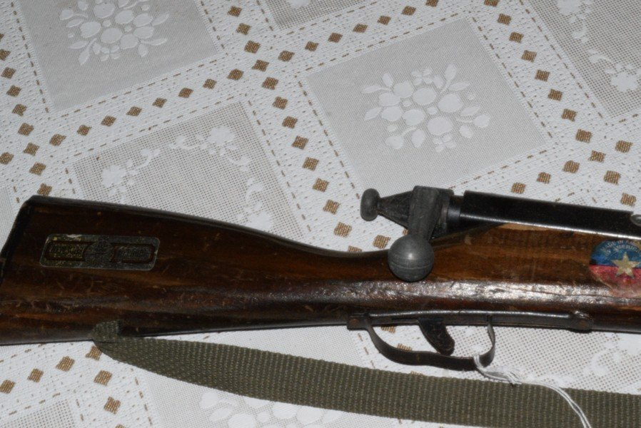 VINTAGE TOY TRAINER RIFLE BY PARRIS REPLICAS - 3