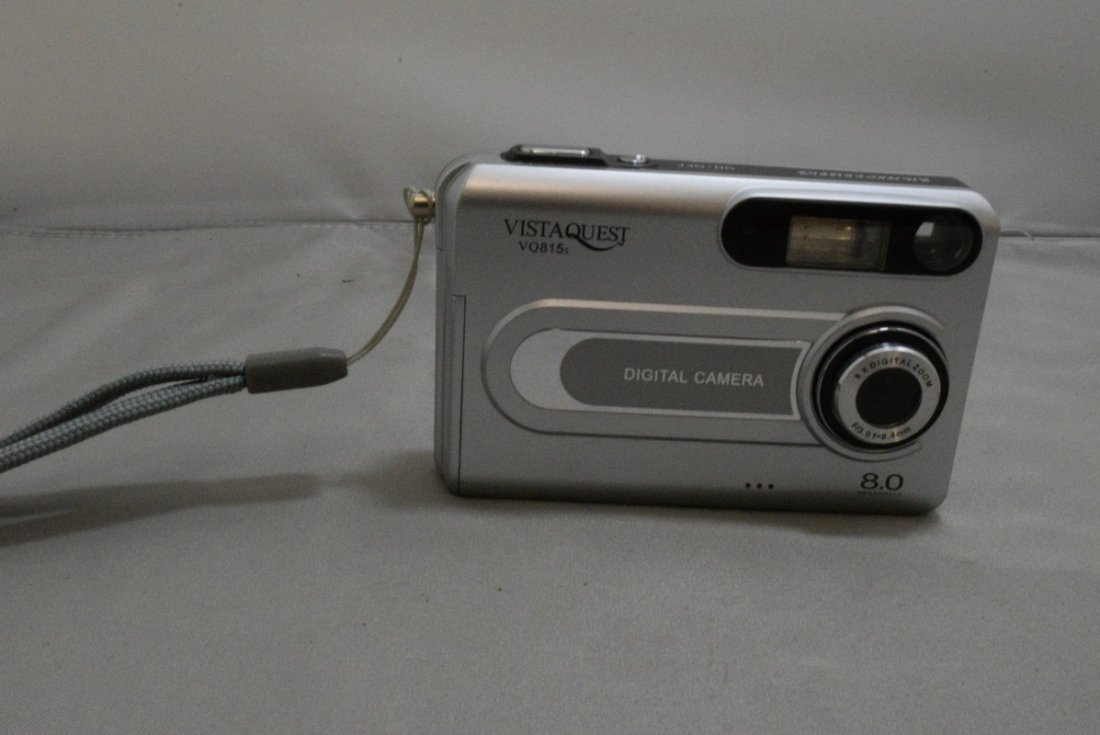 2 PREOWNED KODAK EASY SHARE DIGITAL CAMERAS WITH CASES - 2