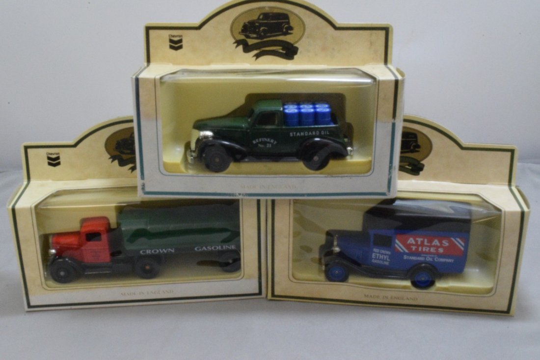 15 CHEVRON COMMEMORATIVE CARS - MADE IN ENGLAND - - 5