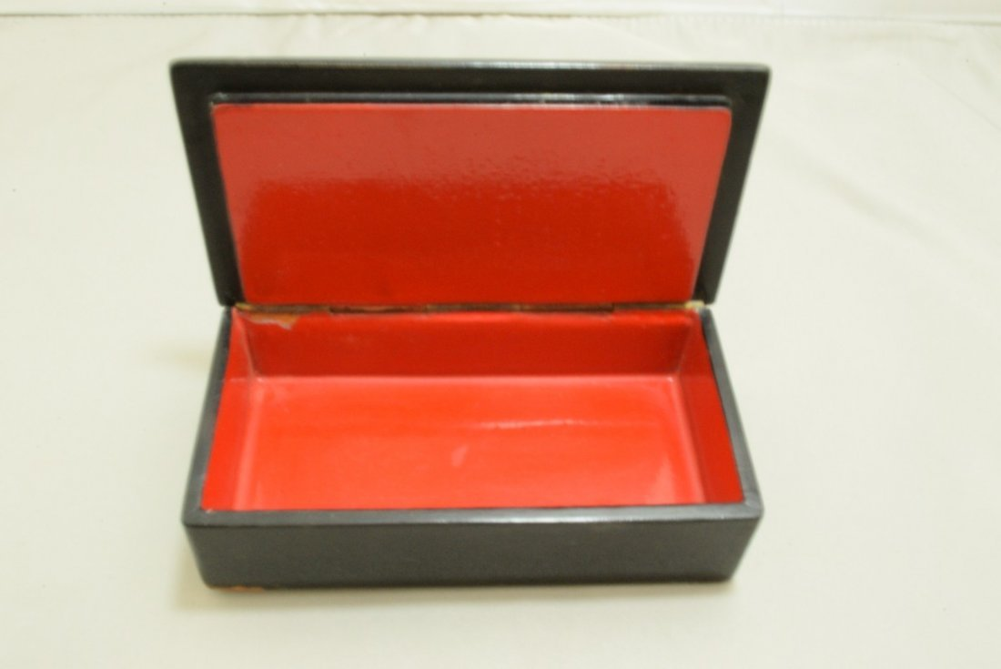 2 RUSSIAN STYLE LACQUER BOXES AND 2 BROOCHES - 5