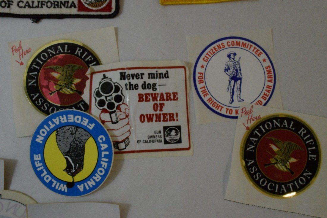 TRAY OF VARIOUS MILITARY AND NRA PATCHES AND STICK - 7