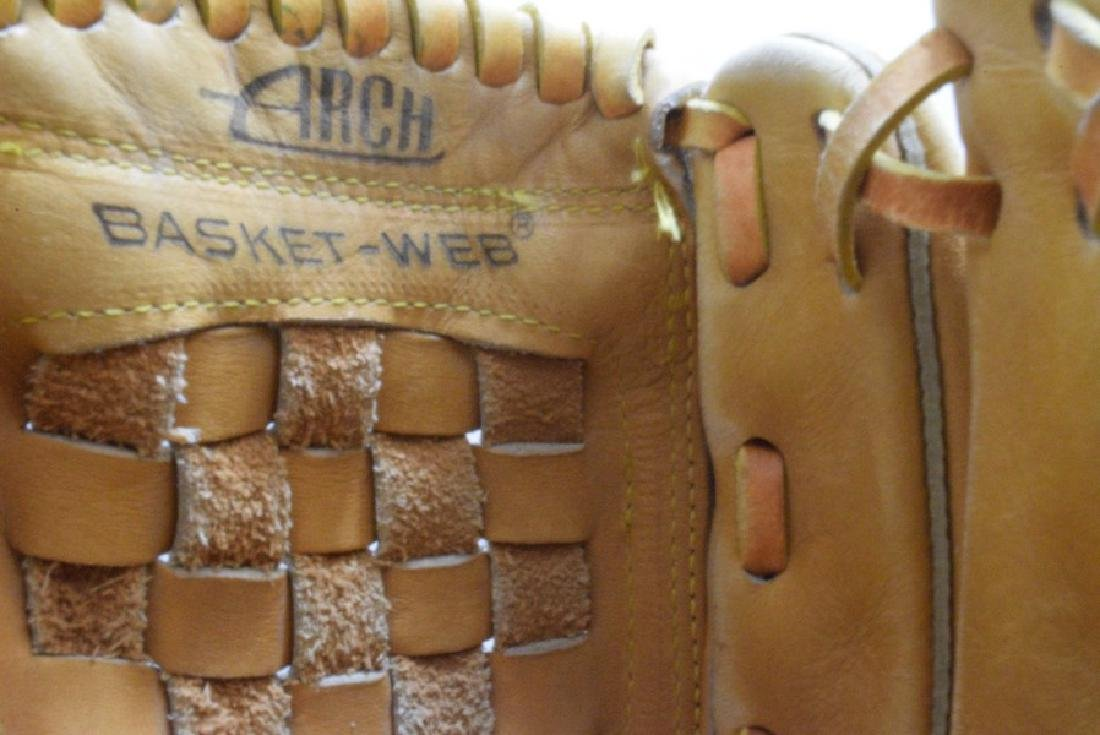 RAWLINGS DALE MURPHY LEFT HANDED LEATHER MITT AND BAT - 9