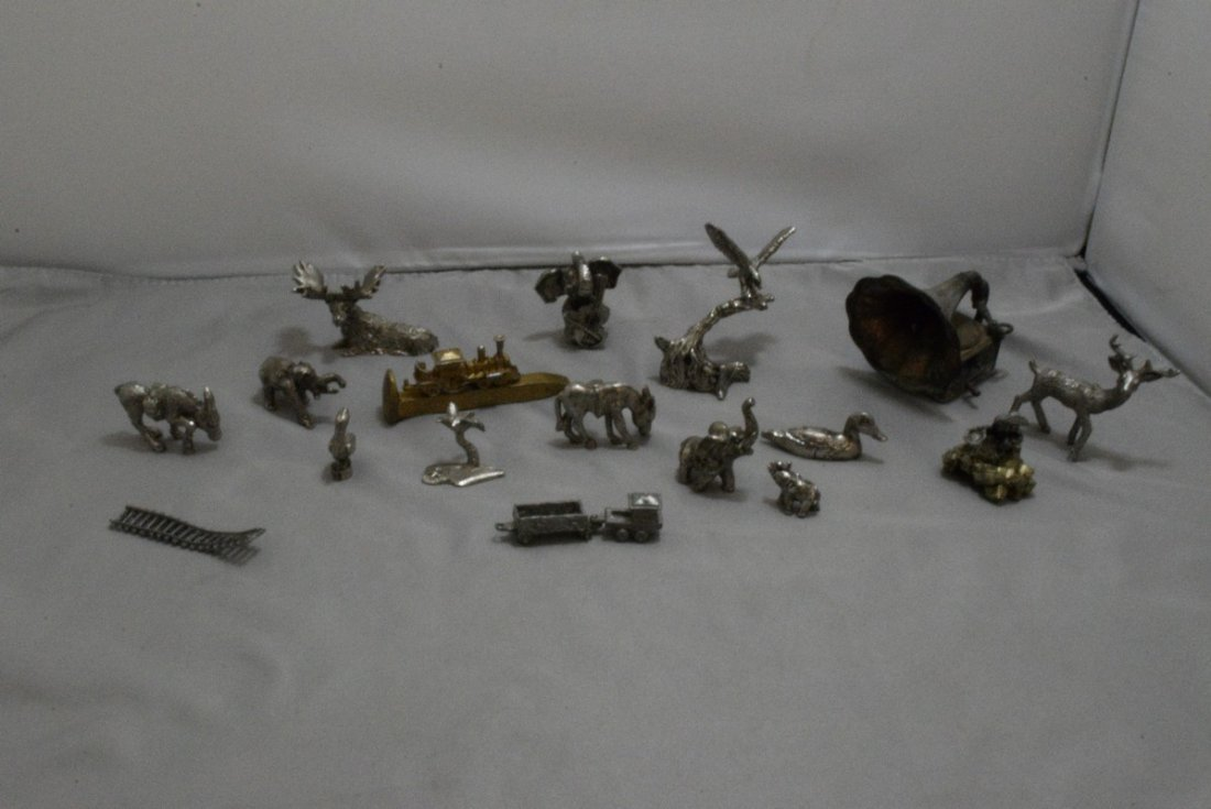 17 PEWTER AND COPPER MINIATURES - OLD WEST - ANIMA