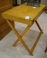 VINTAGE COLLAPSIBLE WOODEN ARTIST/DRAFTING TABLE