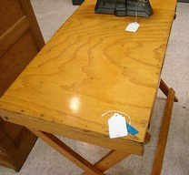 VINTAGE COLLAPSIBLE WOODEN ARTIST/DRAFTING TABLE - 2