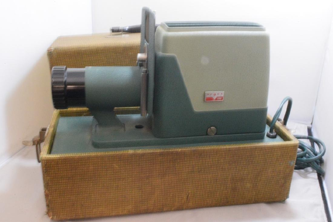 VINTAGE ARGUS 300 SLIDE PROJECTOR - HARD CASE - WO