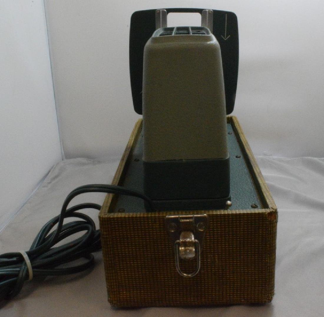 VINTAGE ARGUS 300 SLIDE PROJECTOR - HARD CASE - WO - 4