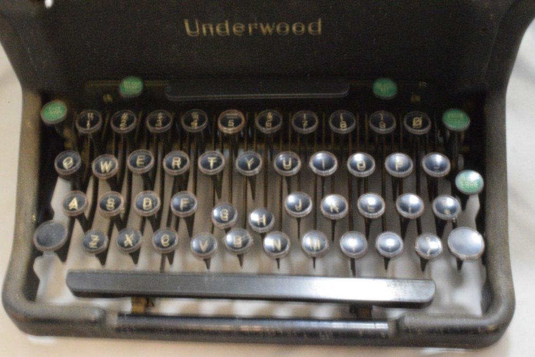 ANTIQUE UNDERWOOD MANUAL TYPEWRITER - KEYS STICK - - 2