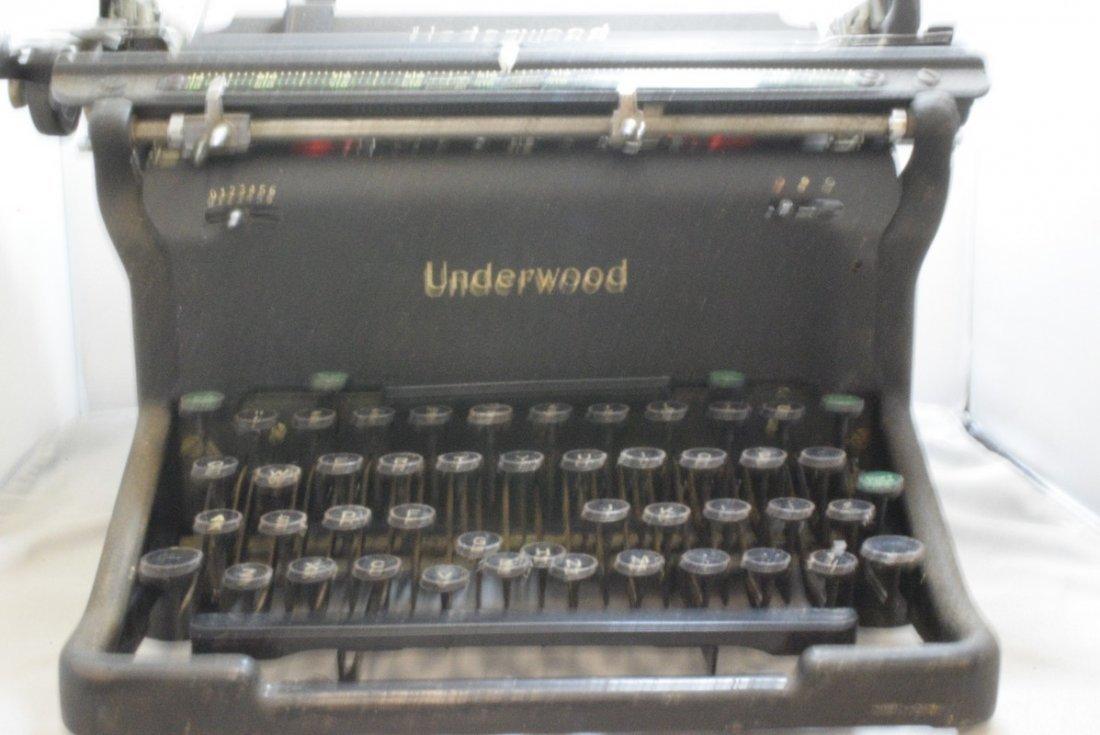 ANTIQUE UNDERWOOD MANUAL TYPEWRITER - KEYS STICK - - 3