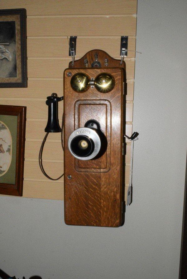 ANTIQUE OAK CASE CRANK STYLE WALL PHONE