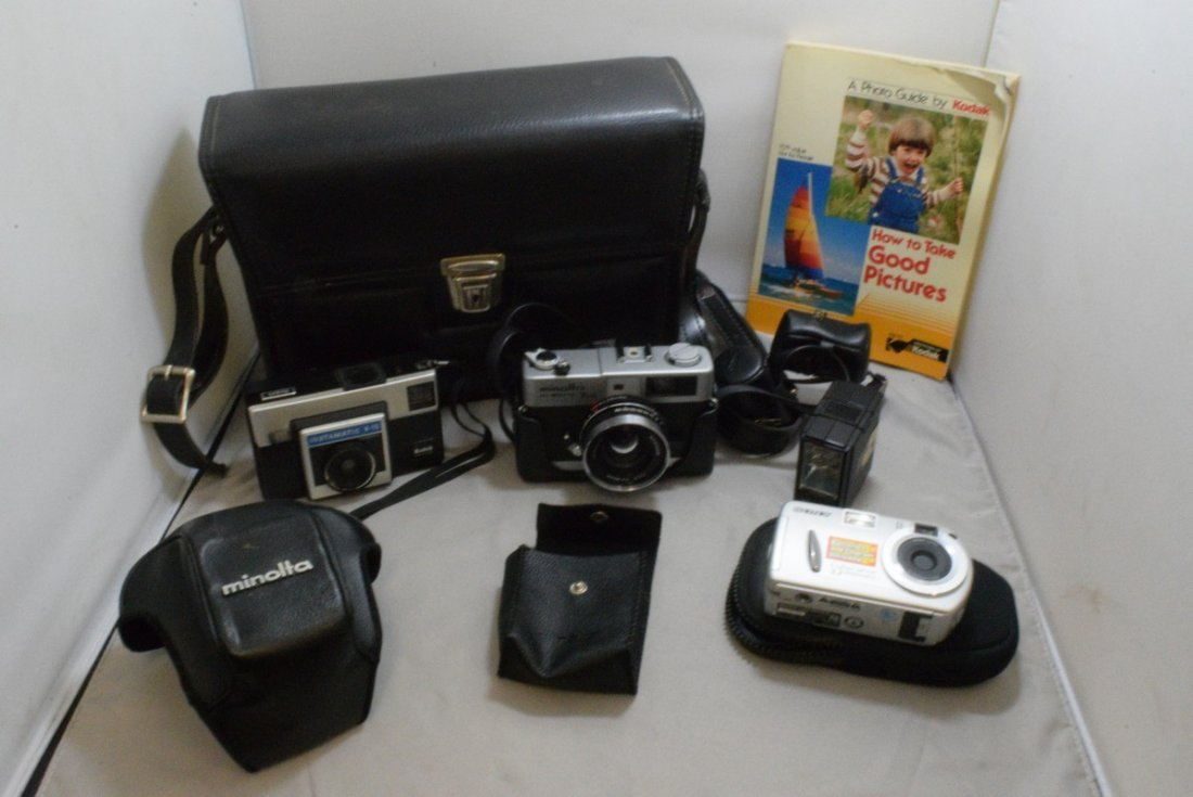 BOX - VARIOUS CAMERAS AND ACCESSORIES - MINOLTA HI