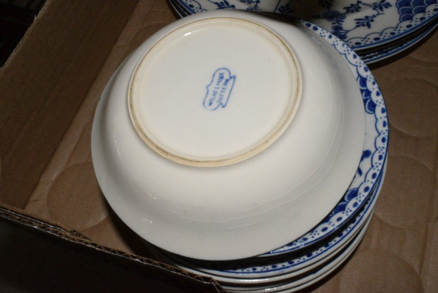 VARIOUS VINTAGE DISHES - 5