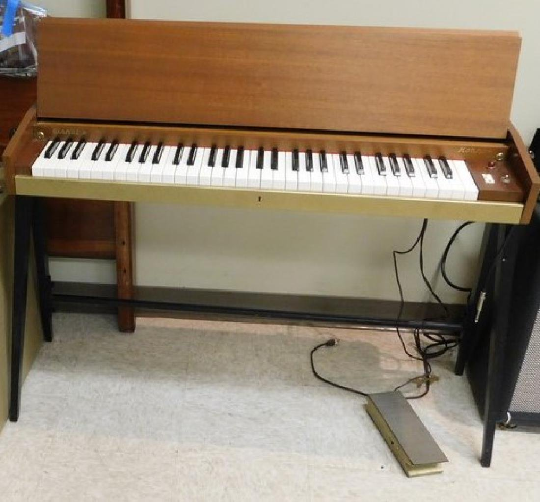 VINTAGE HOHNER ELECTRIC PIANO & CASE