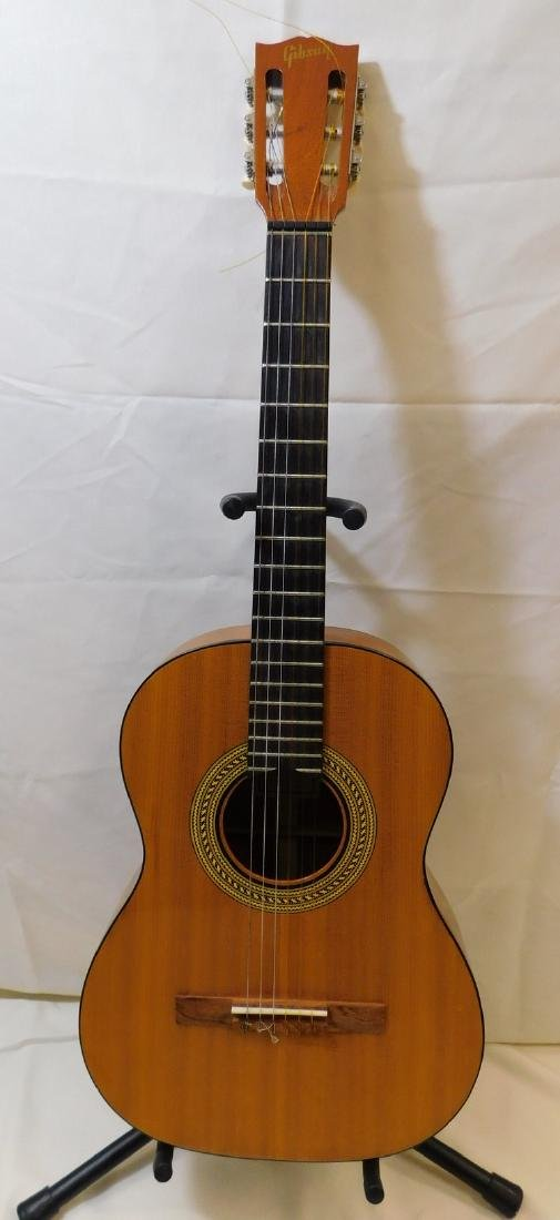 GIBSON CLASSICAL ACOUSTIC GUITAR WITH CASE