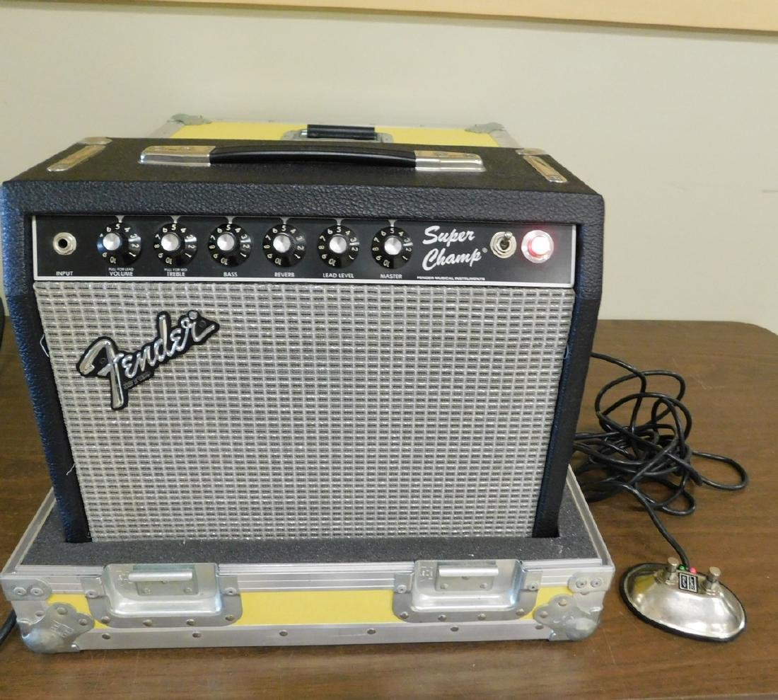 FENDER AMP WITH HARD CASE
