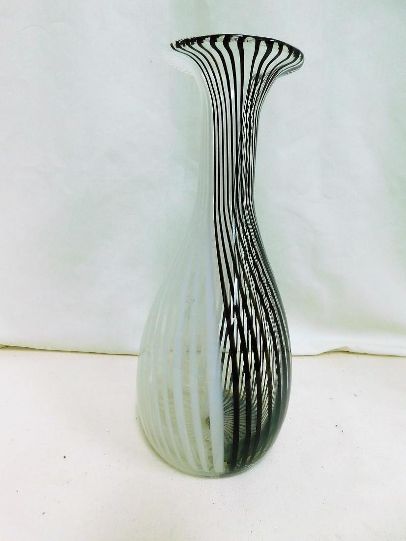 MURANO BLACK & WHITE STRIPED VASE