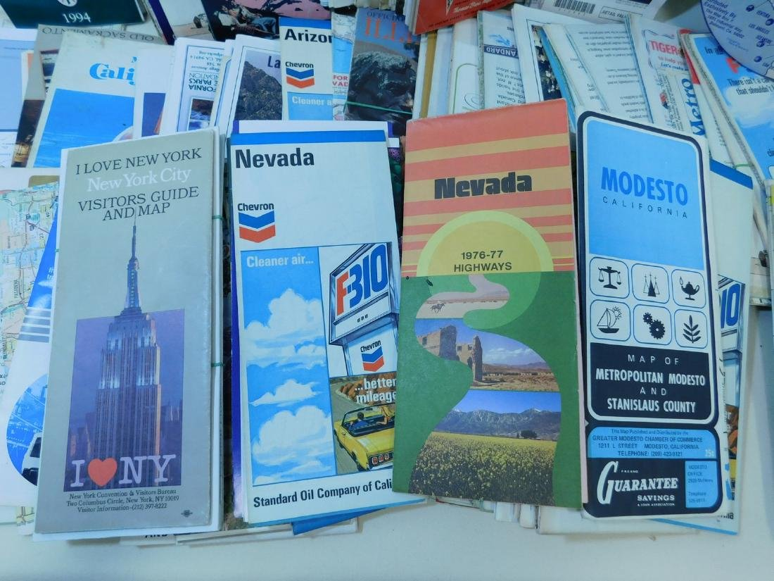 BOX OF VINTAGE ROAD MAPS - 4