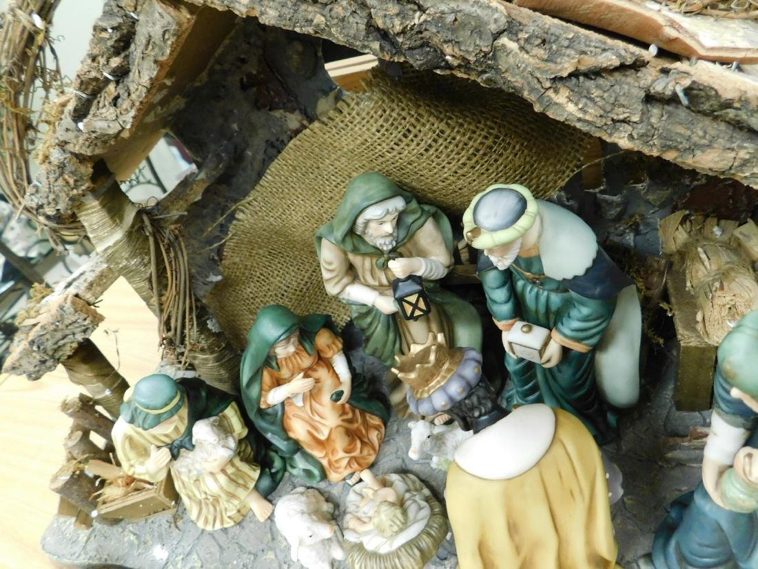 HERITAGE 12 PIECE PORCELAIN NATIVITY SET - 6