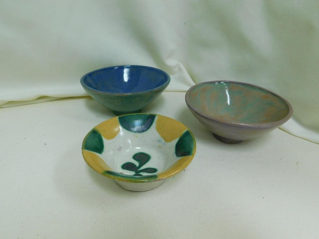 9 SMALL POTTERY PIECES - 2