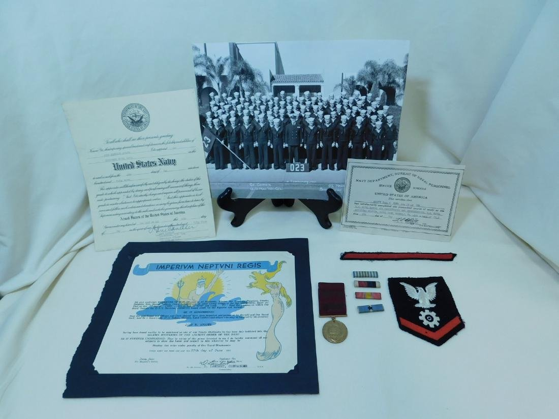 US NAVY PHOTO - MEDAL - INSIGNIA & MORE