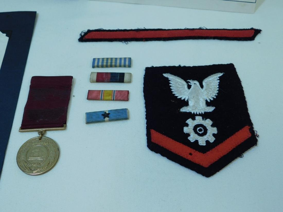 US NAVY PHOTO - MEDAL - INSIGNIA & MORE - 2