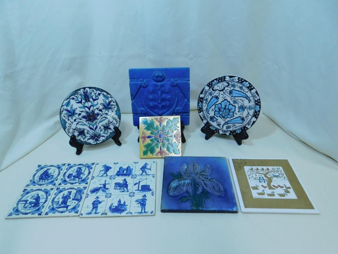 VARIOUS POTTERY TILES/TRIVETS