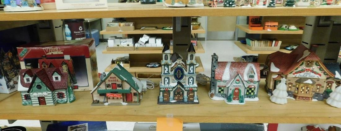 5 LIGHTED CHRISTAMS HOUSES