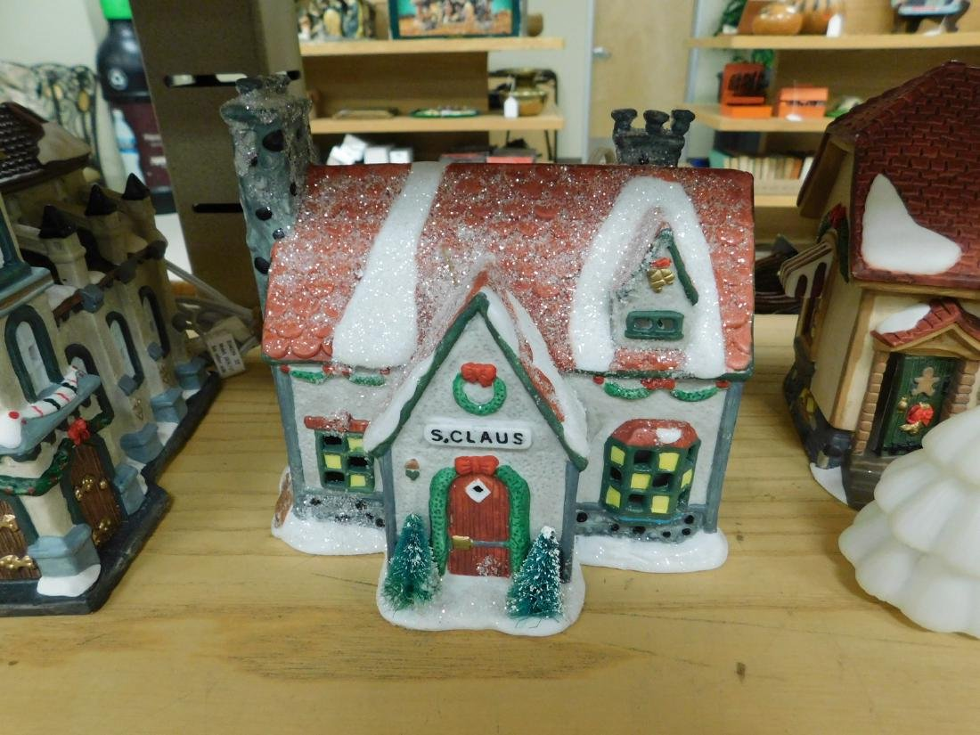 5 LIGHTED CHRISTAMS HOUSES - 5