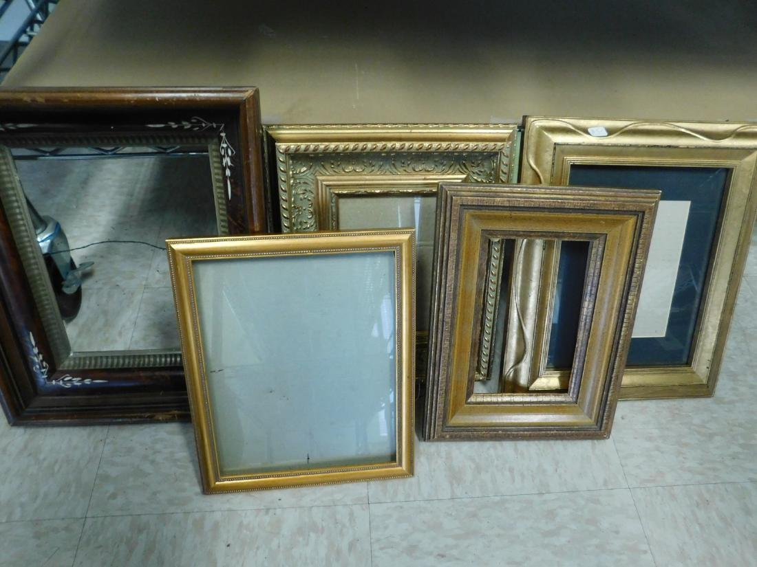 DECORATIVE VINTAGE  PICTURE FRAMES