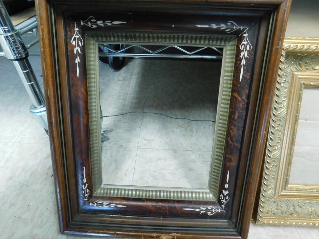 DECORATIVE VINTAGE  PICTURE FRAMES - 2