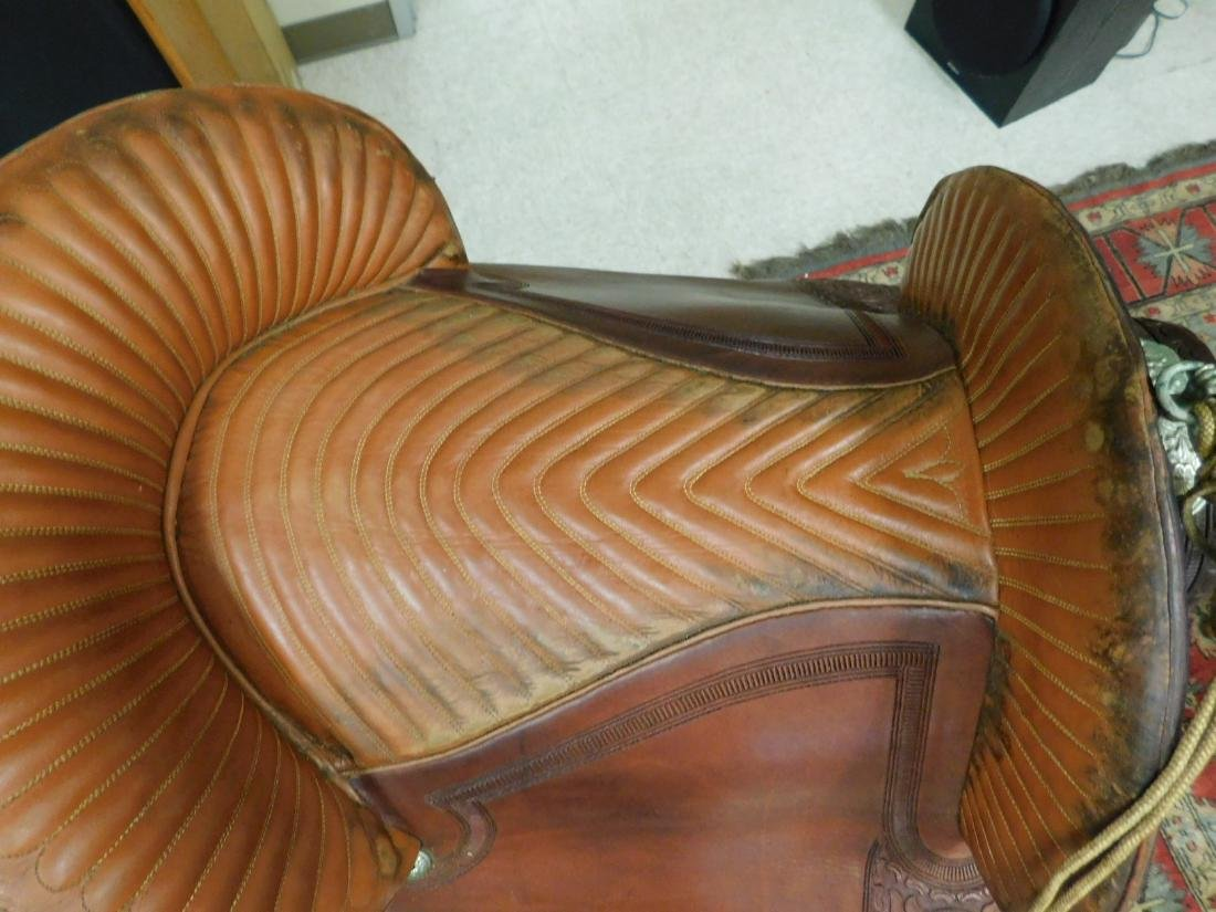 SADDLE WITH ENCLOSED STIRRUPS - 8