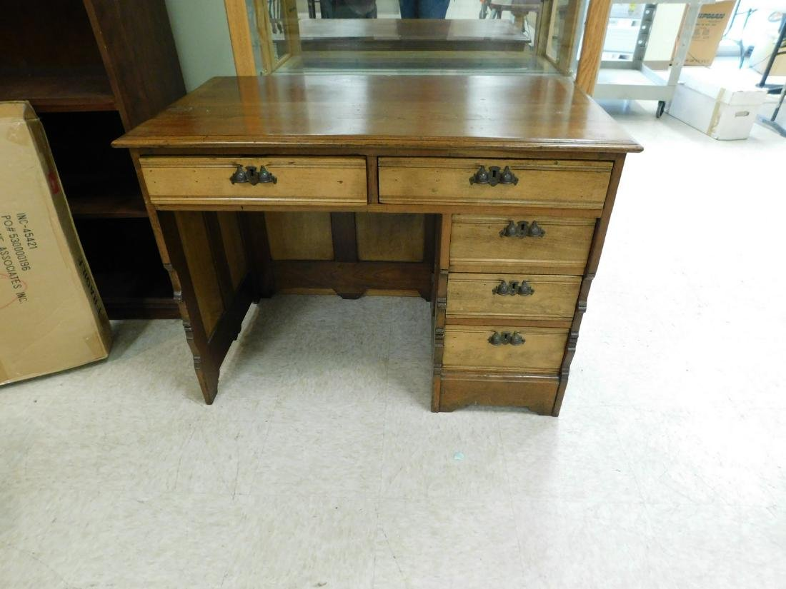 ANTIQUE KNEE HOLE DESK