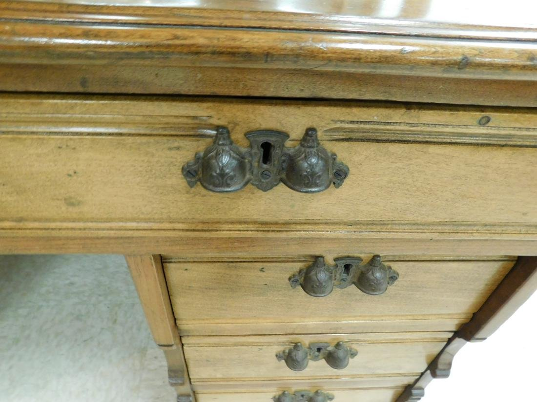 ANTIQUE KNEE HOLE DESK - 3