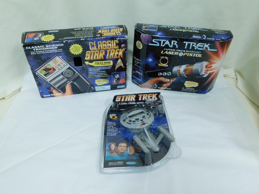 STAR TREK ACTION TOYS