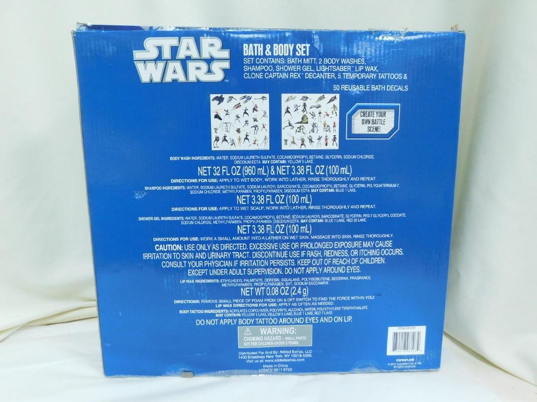 STAR WARS ACTION FIGURES AND BATH SET - 10