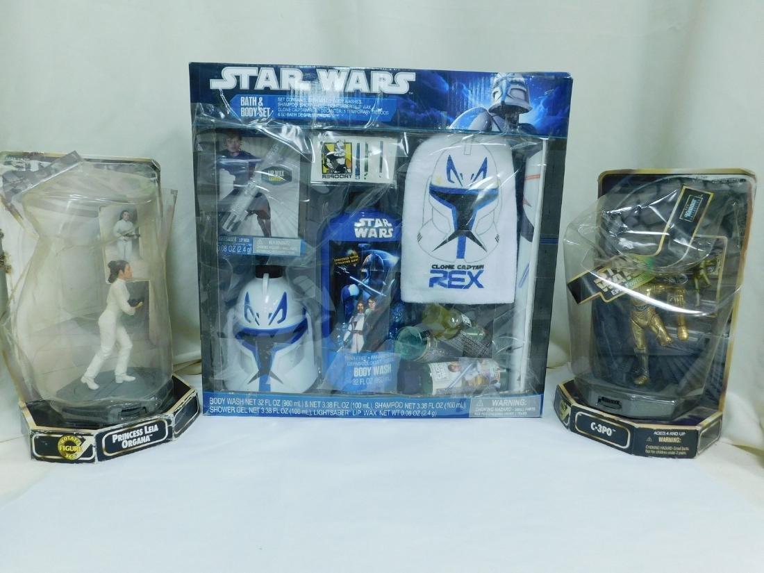 STAR WARS ACTION FIGURES AND BATH SET