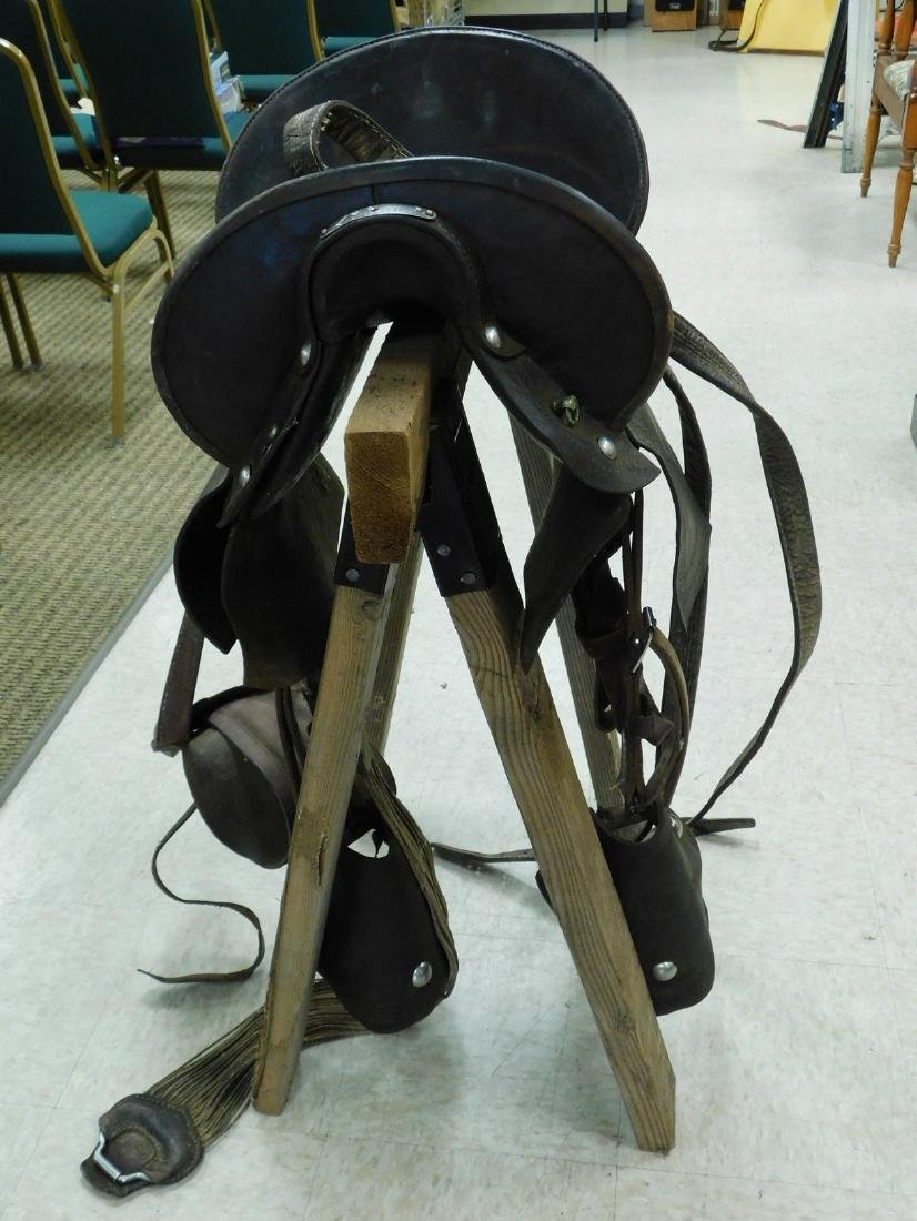 ANTIQUE WESTERN SADDLE WITH HIGH BACK SEAT