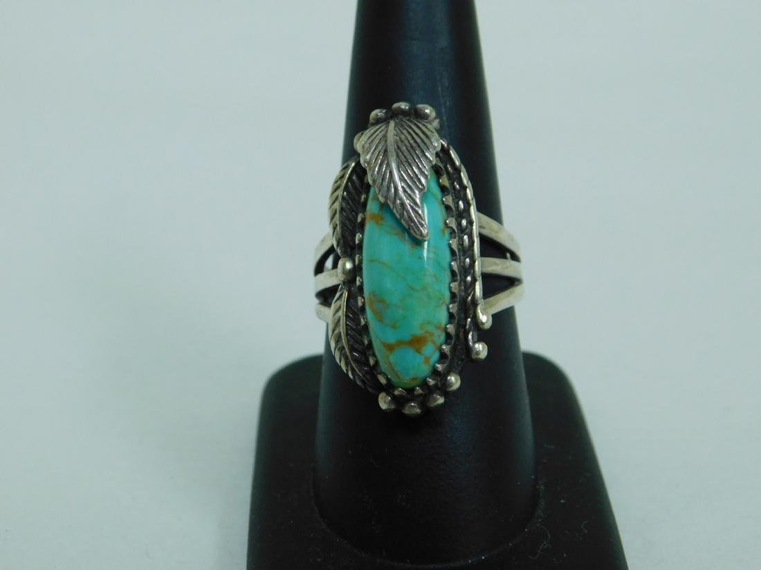 3 TURQUOISE WESTERN STYLE RINGS - 8