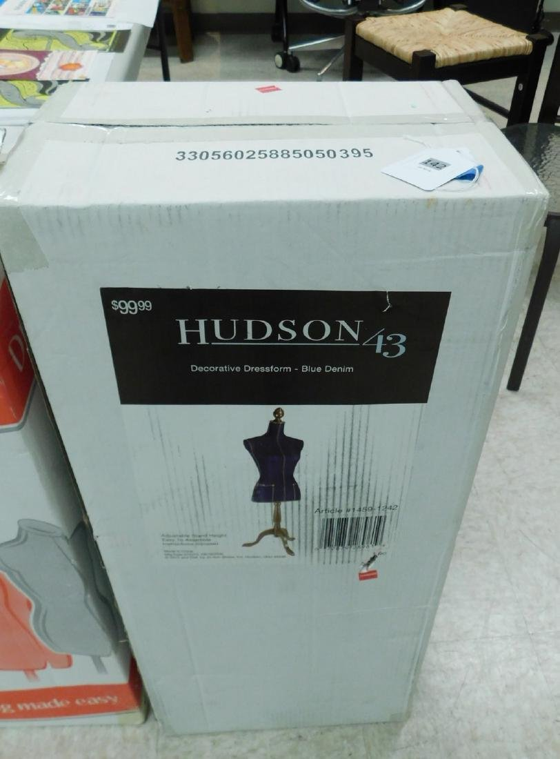 NIB HUDSON 43 DRESS FORM