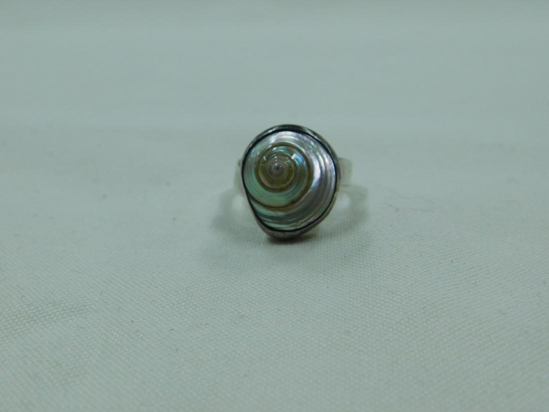 925 SILVER RING AND A SILVER AND BLUE STONE RING - 4