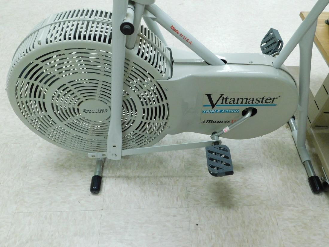 VITAMASTER TRIPLE ACTION AIR WAVES EXERCISE BIKE - 2
