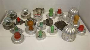 VARIOUS VINTAGE COOKIE CUTTERS  SMALL MOLDS